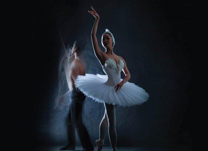 בכורה עולמית למופע ״ברבור לבן״ של הבלט הישראלי במשכן לאמנויות הבמה ת״א הפקת ענק של 30 רקדני הבלט הישראלי בביצוע ובעיבוד מודרני ל״אגם הברבורים״, כרטיס החל ב-79 ₪, מועדים לבחירה!
