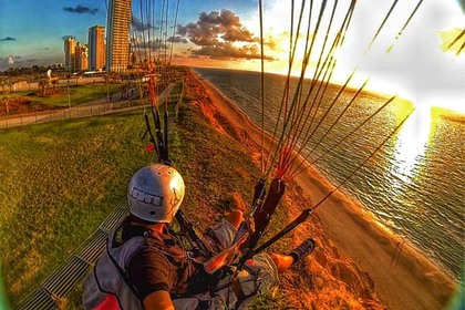 חווית רחיפה עם מצנח מעל חופי הארץ